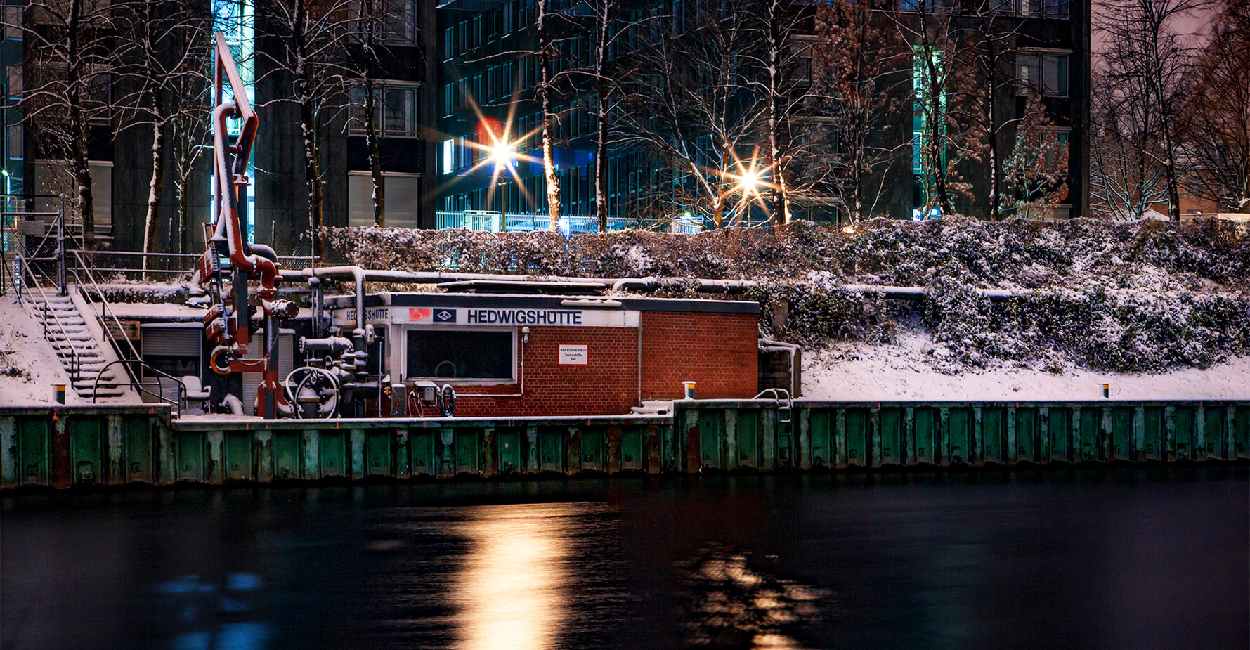Snowy vintage by the canal.jpg
