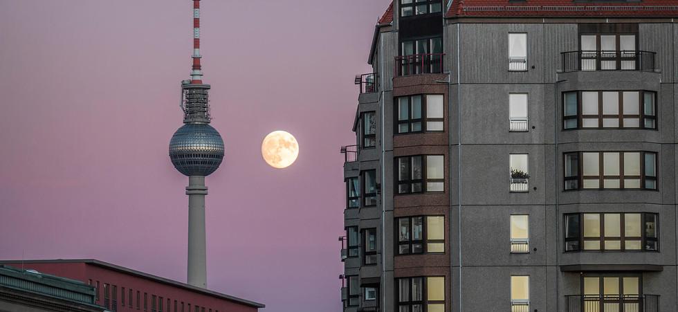 Super Moon over purple sky.jpg