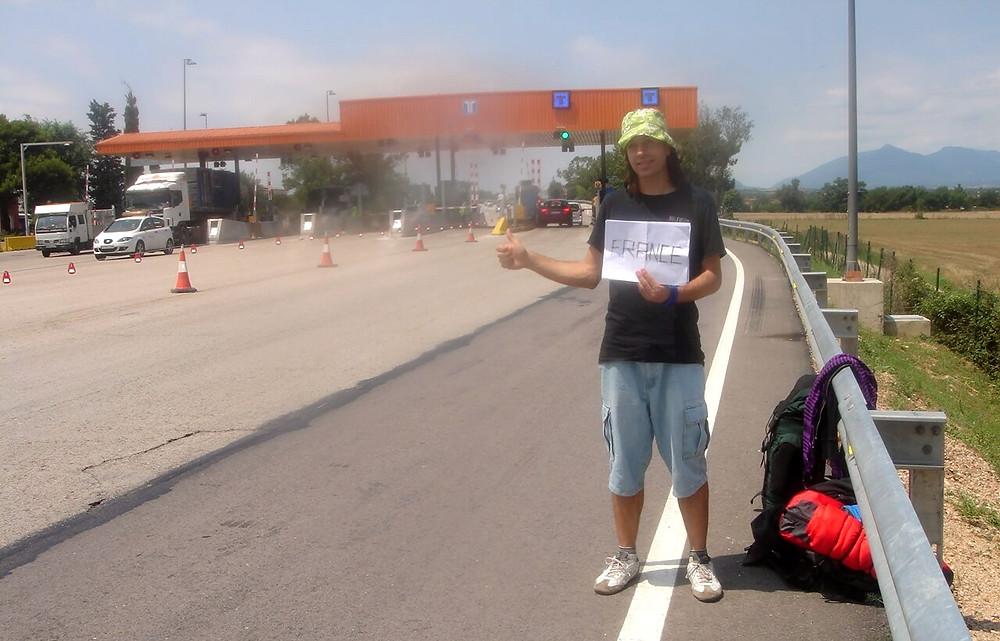 Autostop en la frontera hacia Francia