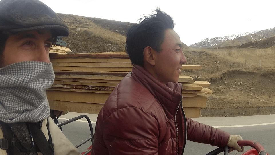 Autostop en el Tíbet a bordo de un tractor