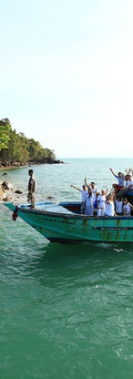 4. Artists Arriving to the Island.JPG