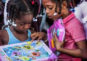 Regalos - Nenas con puzzle.jpg