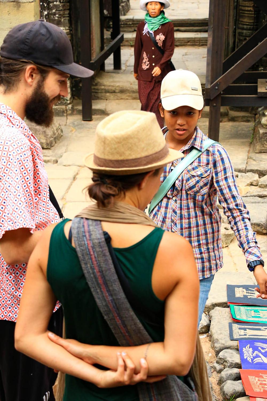 Vendedora ambulante en Angkor Wat, Cambodia