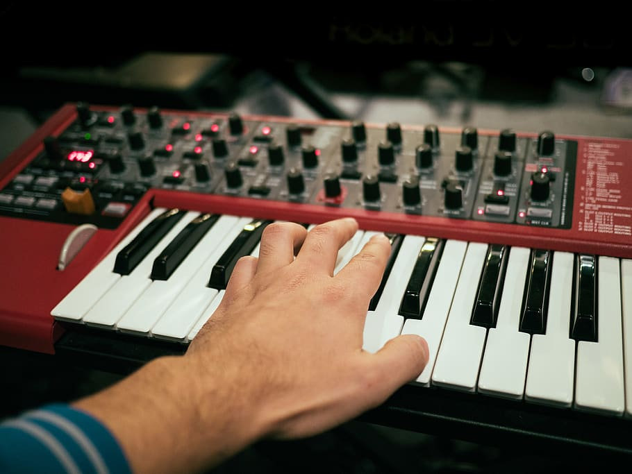 united-states-los-angeles-synth-synthesi