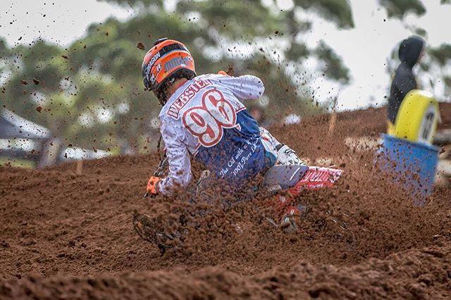 _azshot234 nailed this shot of _kylewebster96 in his retro jersey at Murray Bridge _mxnationals