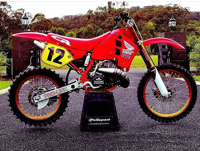 How cool is this restored 1989 CR500_ Moto Kit designed numbers to fit the restoration