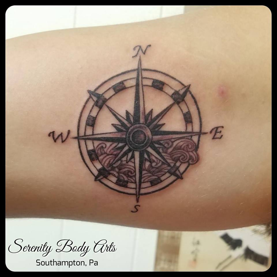 Dainty Compass with Waves