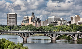 Saskatoon-skyline-with-broad-view-of-the