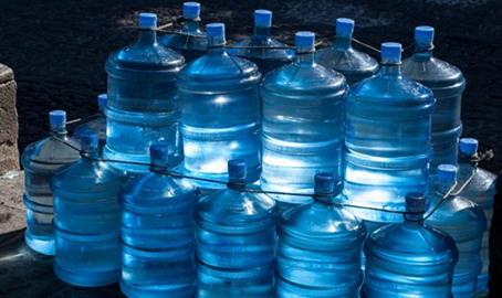 ¿Cuánto esta gastando su empresa en garrafones de agua?