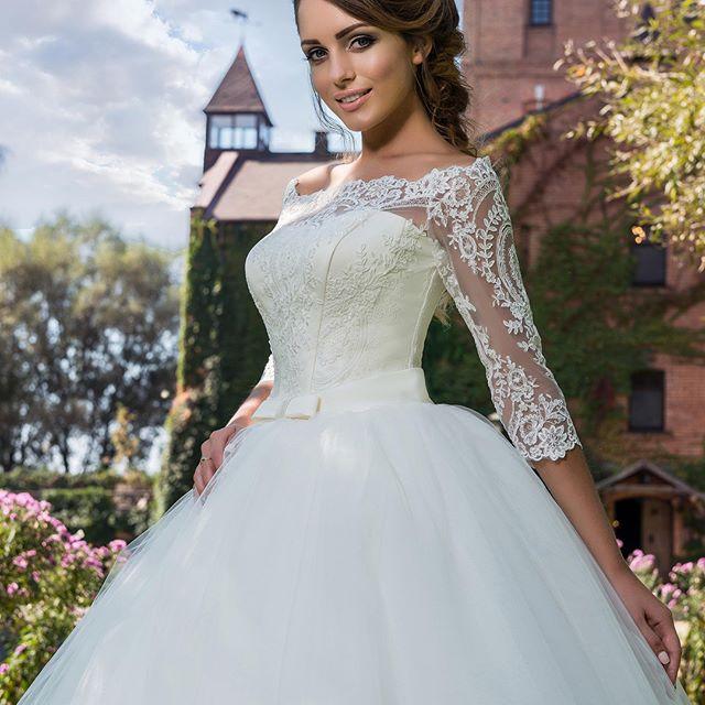 beea0c076ebff1c ... перейти в раздел Свадебные платья ...