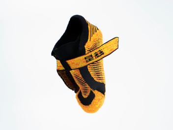 Kid shoe self assembly