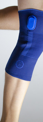 Connected knee pad