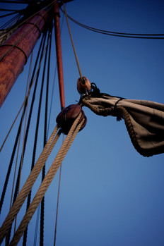 The Pirates Experience ship rig pulley