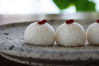 ココナッツ団子