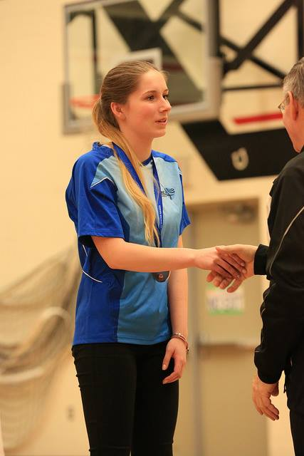 Victoria receives her Bronze Medal in Matchplay