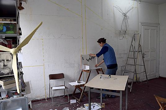 Modell und Wand