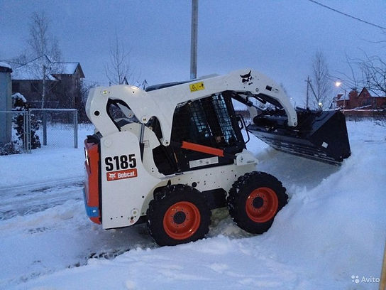 аренда заказать минипогрузчик bobcat для уборки снега  в горках ленинских