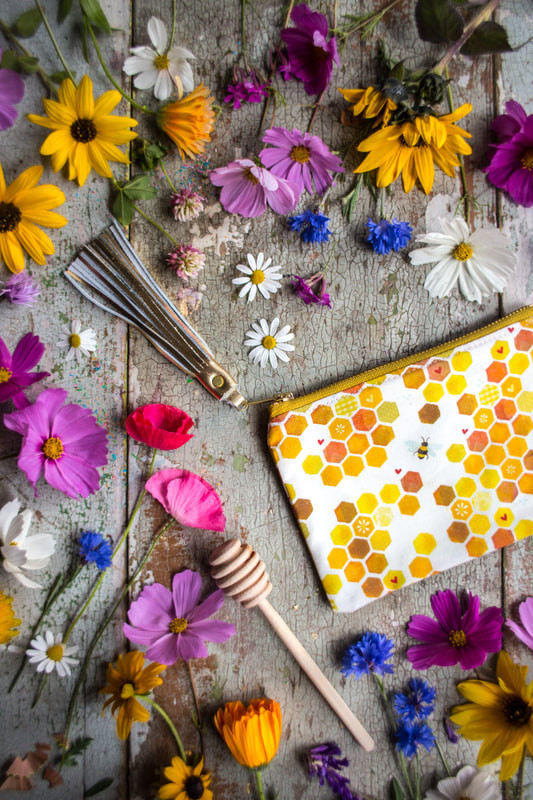 Honeycomb Pouch