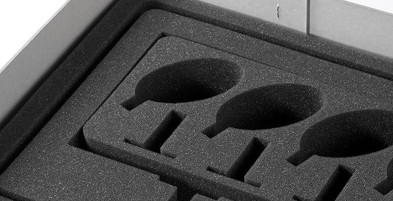 Individuelle Schaumstoffeinlage wasserstrahl geschnitten für den Transport