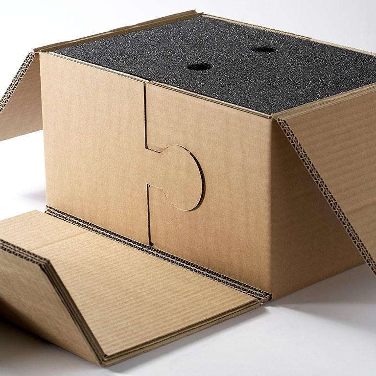 Geplotterte Schutzverpackung mit V-Schnitt