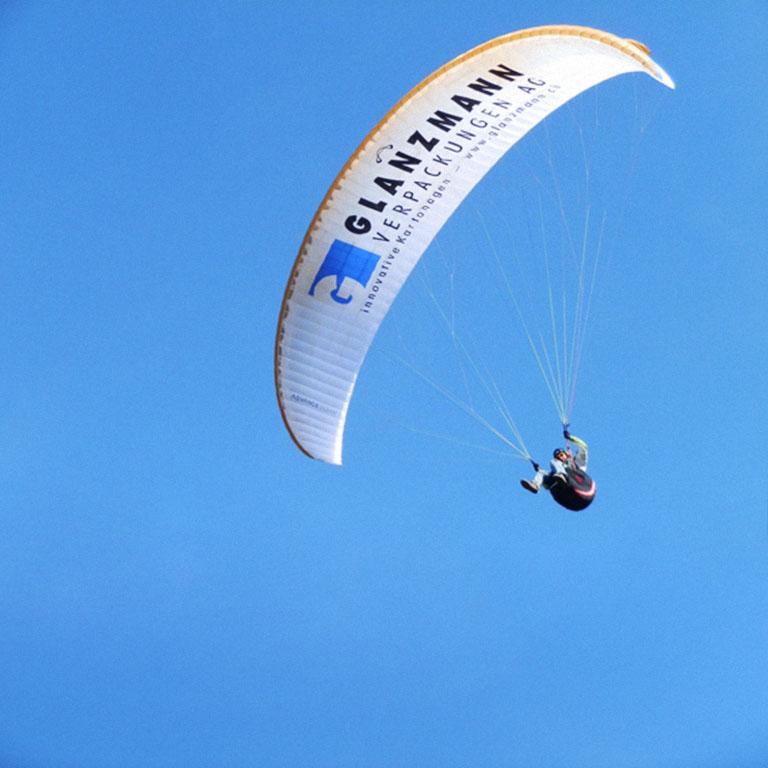 Sponsoring Glanzmann Verpackungen, Gleitschirmfliegen, Paragliding, Tandemflug