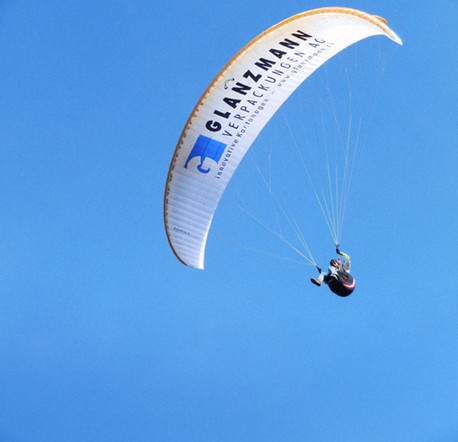 Gleitschirmfliegen, Paragliding, Tandemflug, Sponsoring Glanzmann Verpackungen AG