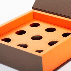 Einlage mit runden Austanzungen für Pralinen aus dem Mix & Match Konzept
