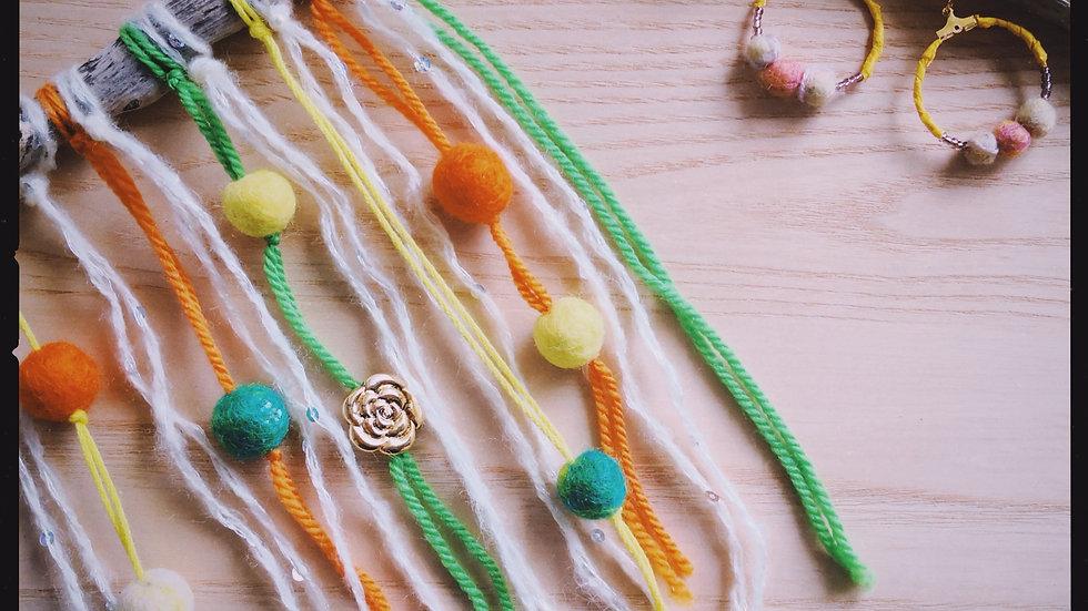 木と羊毛 「春いちばん 」タペストリー
