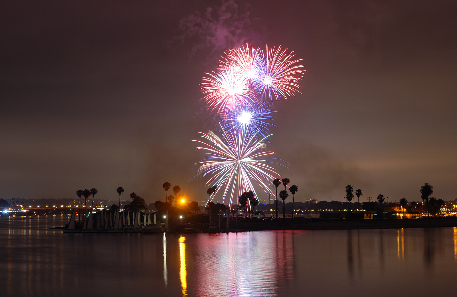 Sea World Fireworks_1600-WIDE.jpg