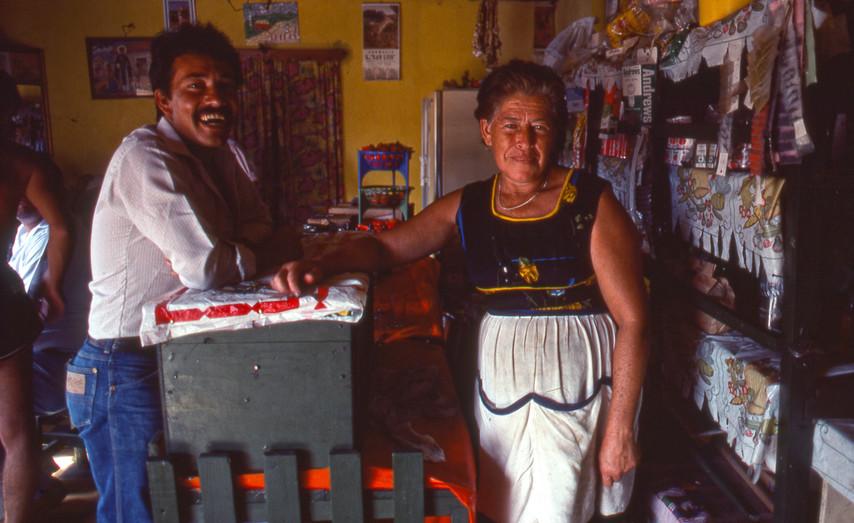 Hondoras Shop Owners