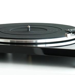 music-hall-mmf-1.3-turntable-9997-1080-400.jpg