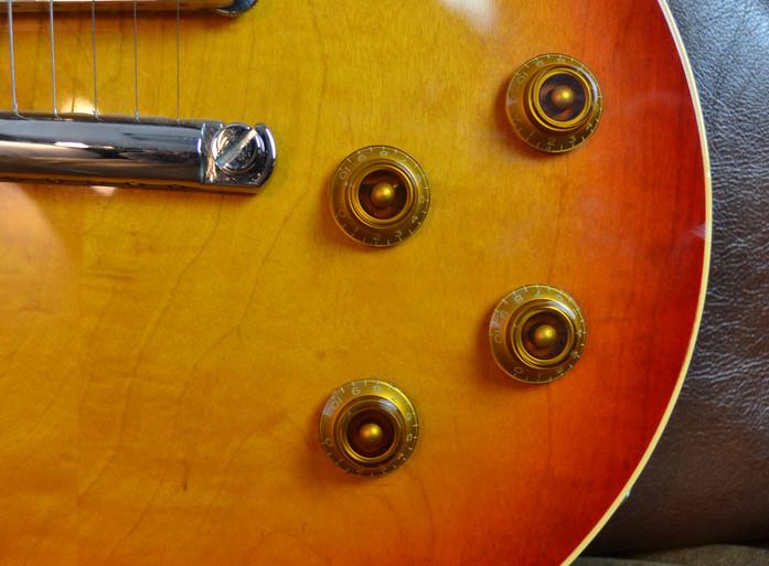 les-paul-cherryburst-59-reissue-2.JPG