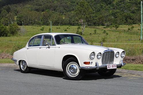 1967 Jaguar 420 Auto