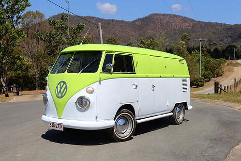 1967 Volkswagen Split Window Kombi - SOLD
