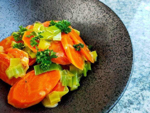 Eine sehr leckere Gemüsebeilage, einfach und schnell gemacht.