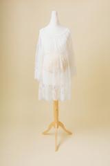 white lace maternity photoshoot dress