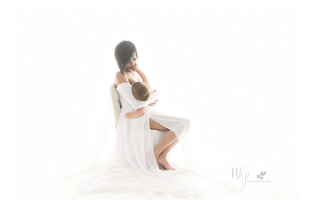 breastfeeding mum, colne photographer