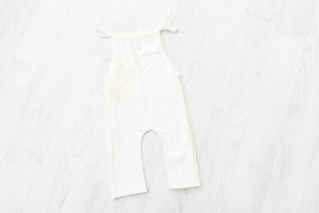 cream sitter outfit for baby photoshoot