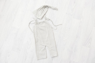 Grey sitters romper and hart 6-9 months sitter photography session