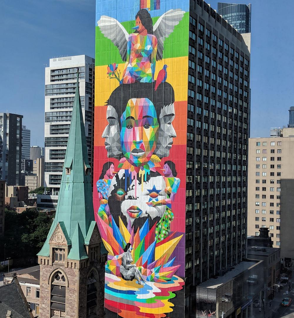 okuda - street art - vane balon - zapatilla - faro de Ajo