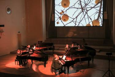 Estonian_Piano_Orchestra_oranž.jpg