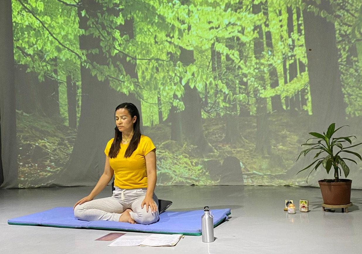 Clases Gratis de Hatha Yoga en Vivo