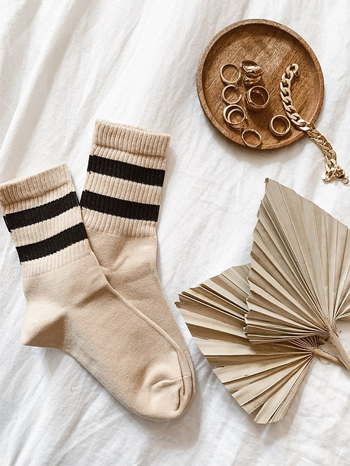 Chaussettes beiges rayures noires