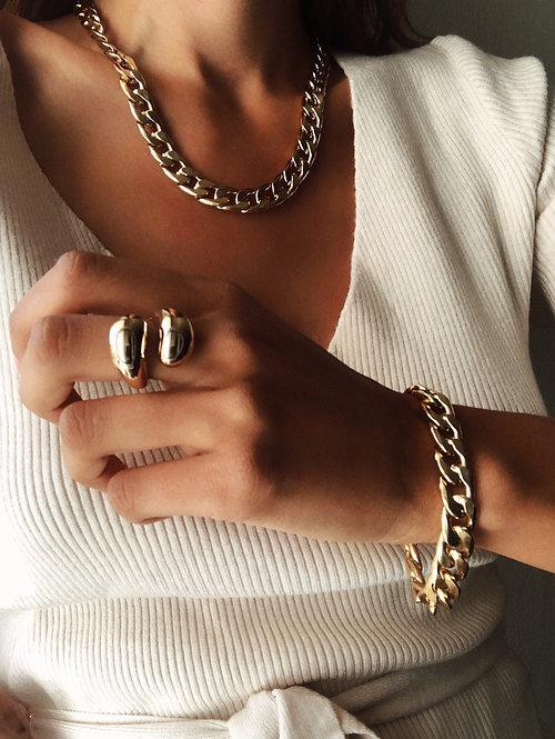 Antonine ring