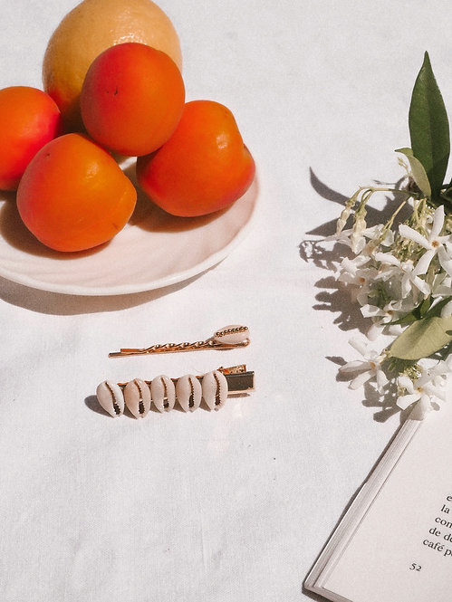 Set of 2 Cowries hair clips