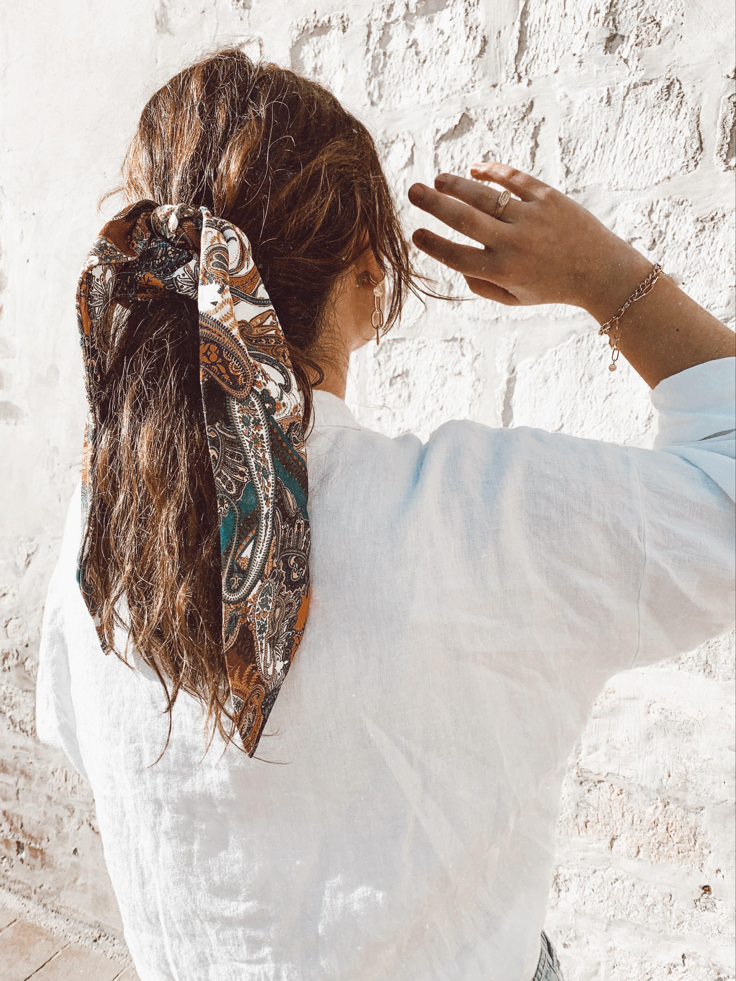 magasiner pour les plus récents économiser jusqu'à 60% bon service Le chouchou foulard Paulette bleu