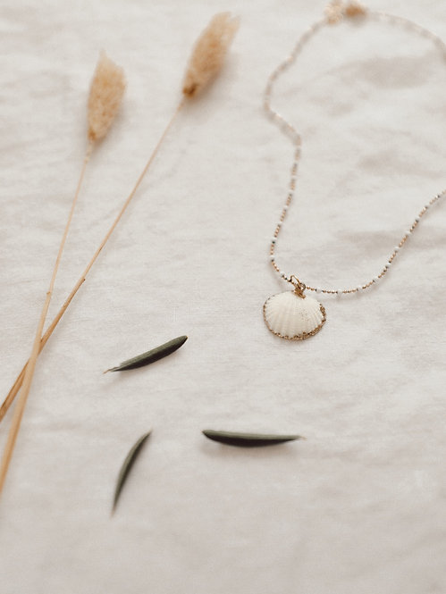 Collier Ouliveto perles blanches