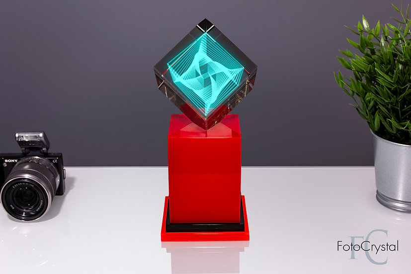 Куб 80 мм. на подставке с подсветкой
