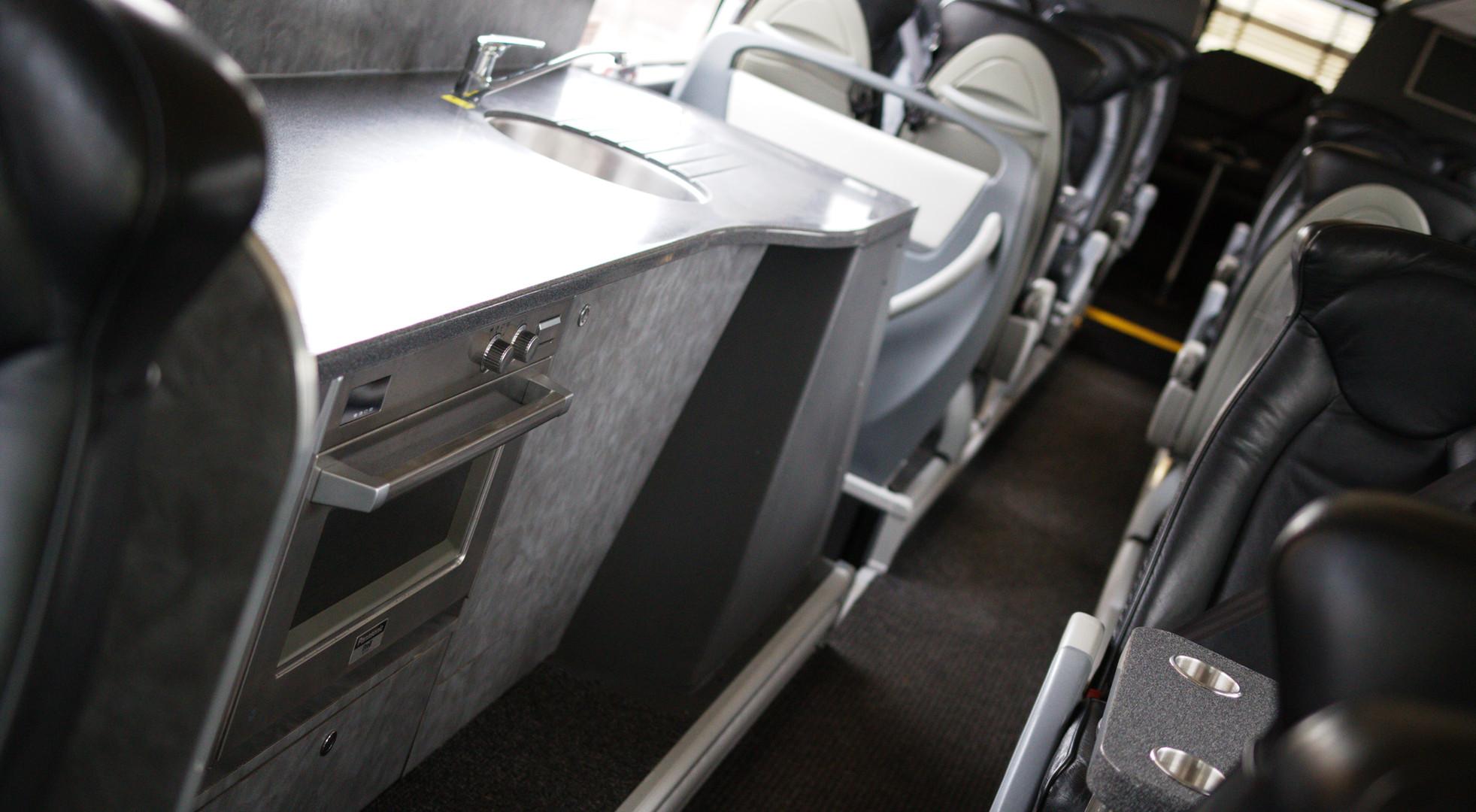 Scania Irizar VIP (33 seats)