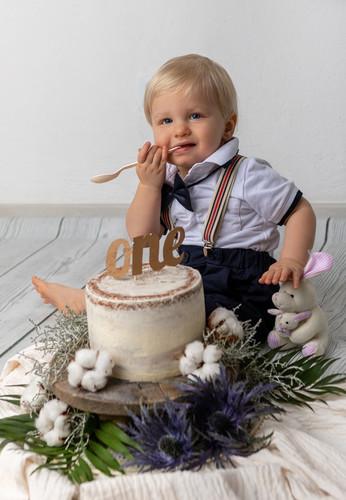 Cake-Smash-Shoot-Fotoshooting-1_edited.j
